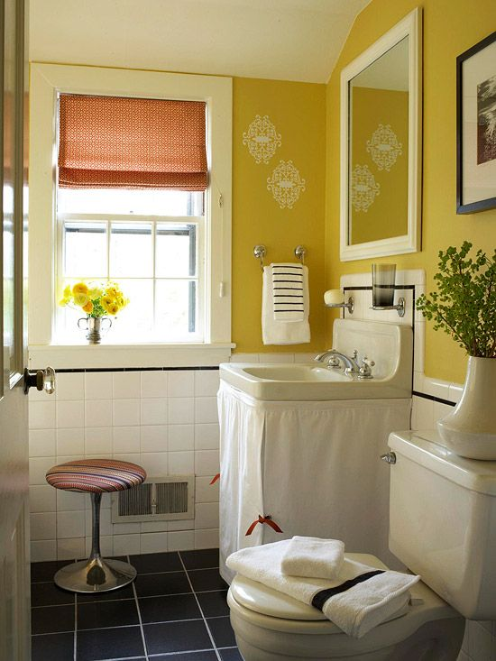 a few coats of yellow paint gave life to this pretty bathroom