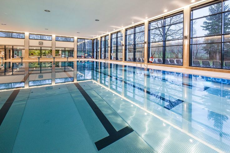 Don't feel like going for sight-seeing on chilly days? Munich's indoor swimming pools offer summer feeling and year round water fun! Image Courtesy: München Tourismus