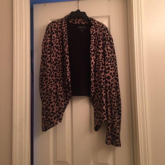 Forever 21 Plus Size Blazer On website it's stated as a blazer but it's more like a cardigan. Worn several times but it's in good condition. Forever 21 Sweaters Cardigans