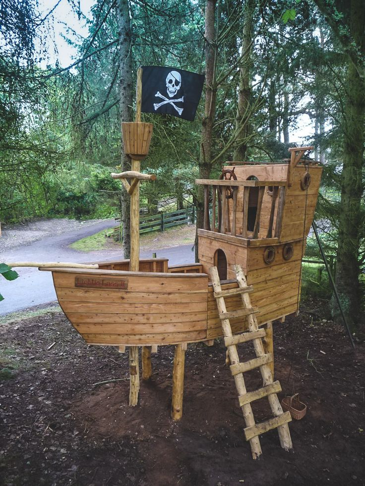 pirate ship treehouse climbing frame pinterest spielpl tze baumhaus und spielhaus. Black Bedroom Furniture Sets. Home Design Ideas