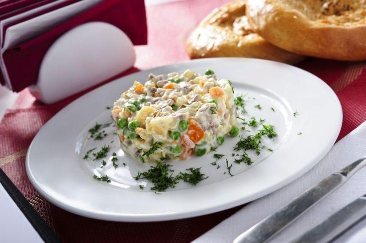 In jurul lumii in cautarea experientelor culinare - Salata Olivier, Rusia - foodstory.stirileprotv.ro