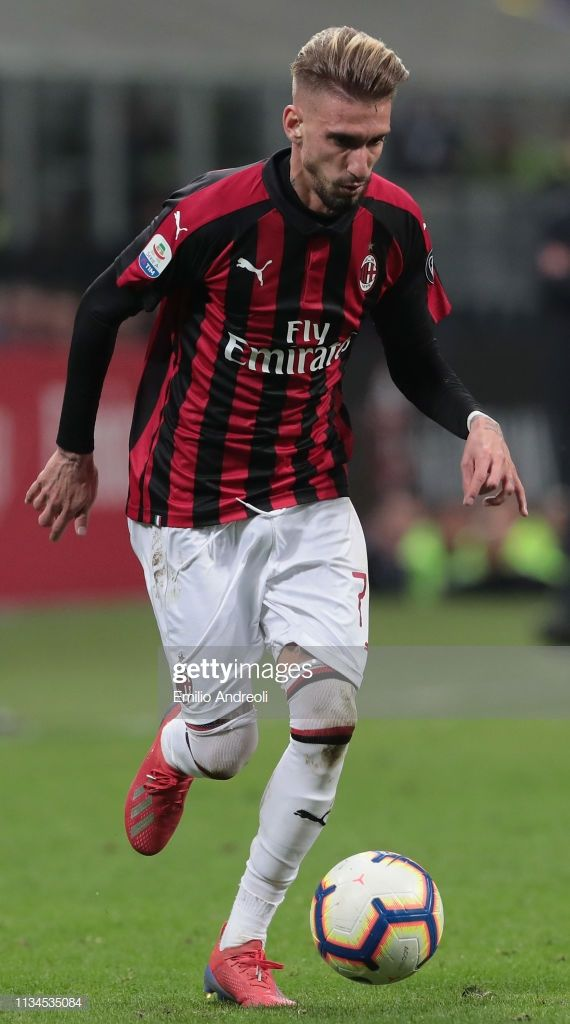Samuel Castillejo of AC Milan in action during the Serie A match ...