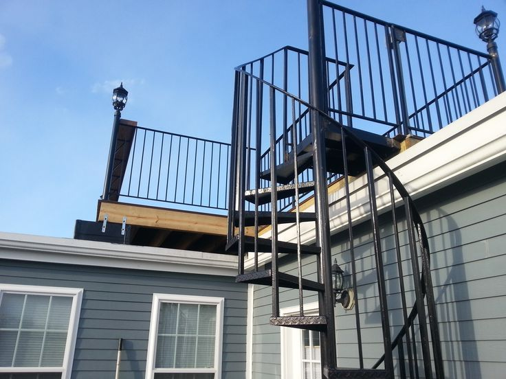Telegraph Hill Roof Deck with wrought iron railings ...
