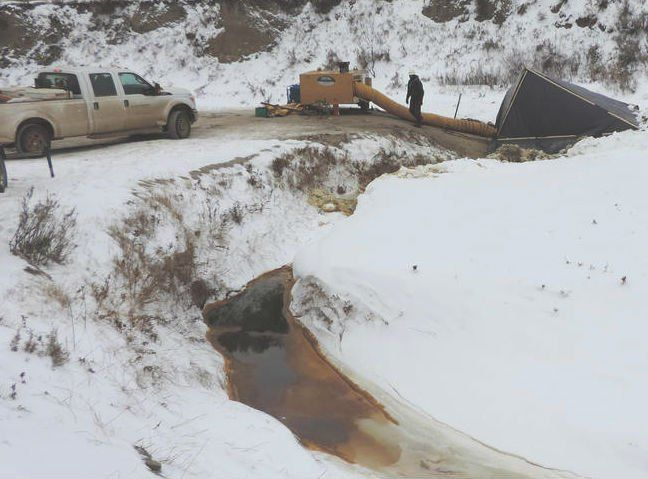 A faulty pipeline has leaked 176,000 gallons of crude oil into a creek and the surrounding countryside 2.5 hours away from the Standing Rock protests in North Dakota.