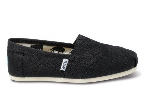 Black Canvas Classics | TOMS.com #toms  Im size 9 but after reading the reviewsI  think I might need 9.5 ;)