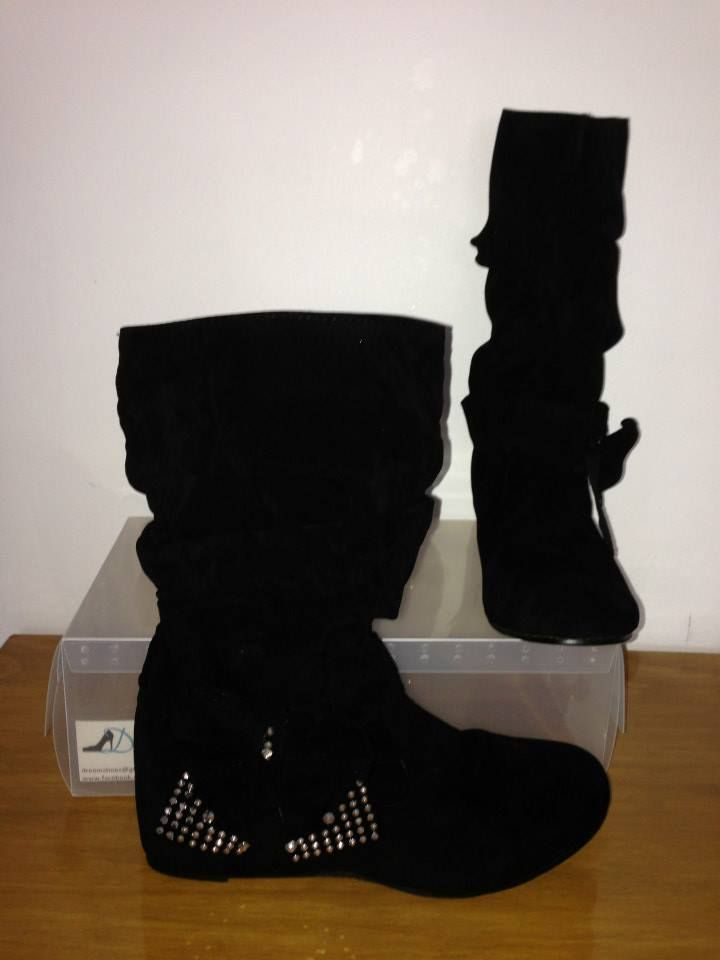 """Dreem Shoes """"Ice N Cosy""""  Size 4-12 $35 www.facebook.com/dreemshoes"""
