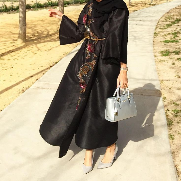 """1,211 Likes, 16 Comments - Saris HH (@saris_hh) on Instagram: """"Abaya @nabrman Shoes @ms_lux #abayinspo"""""""