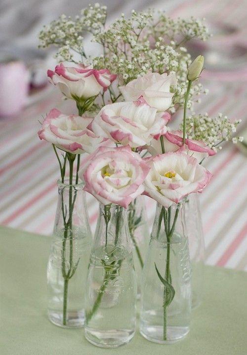 wirkungsvolle Tischdeko Frühling-Rosen Maiglöckchen