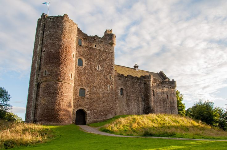 """14 Scottish Places All """"Outlander"""" Fans Must Visit - """"This stunning medieval stronghold near Stirling was built in the late 14th century by Robert Stewart, Duke of Albany. It stands in for the fictional Castle Leoch in Outlander, home to Jamie's uncle Colum Mackenzie and his clan."""""""
