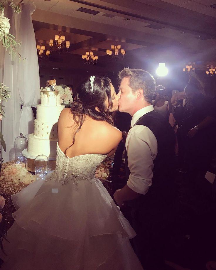 'Hannah Montana' alum Jason Earles marries in California