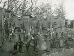 German soldiers wearing masks anti gas, 1916.