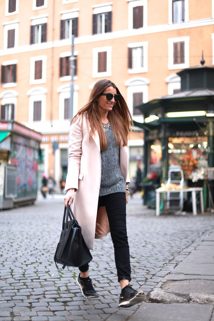 Blogger Style | Bartabac: light pink coat x grey knit x sneakers x céline phantom luggage bag #falloutfit #fallstyle