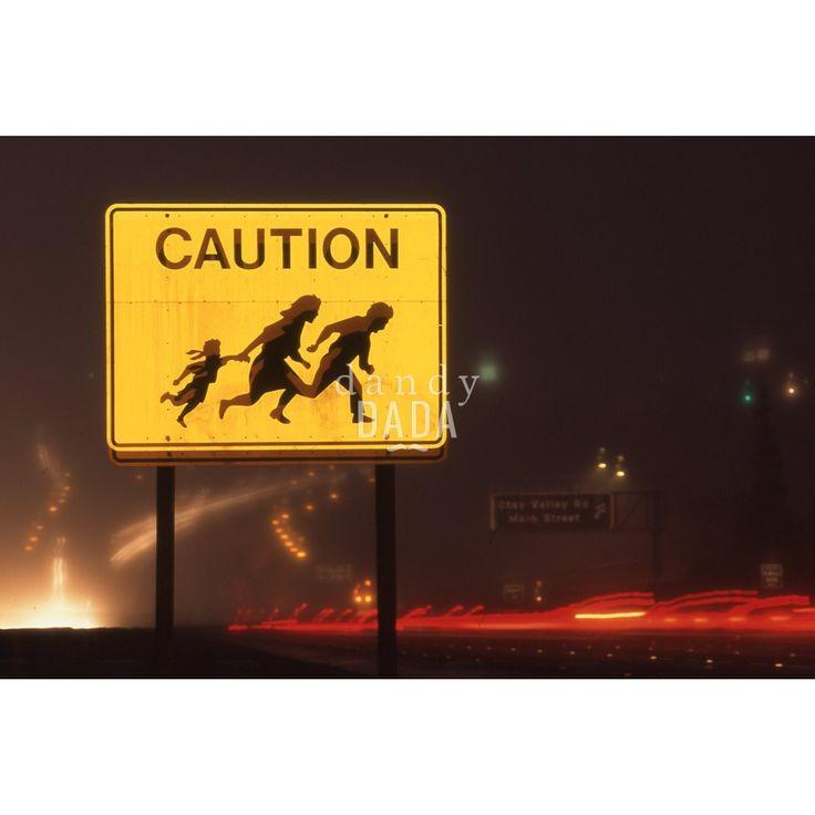 """Military head border VII - dandyDADA San Diego 1996; l'amministrazione Clinton ha cercato di bloccare l'immigrazione clandestina in San Diego. Dopo quindici mesi fallimentari, inizia la fase """"due"""": l'azione militare. 02/02/1996"""