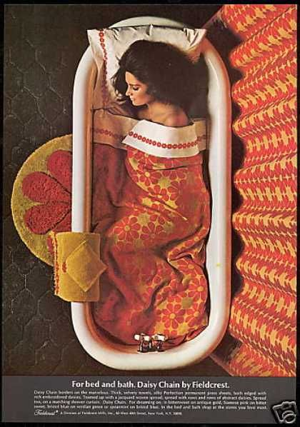 Vintage 60s Advertisement - Daisy Chain Fieldcrest Towels for bed and bath - 1968.