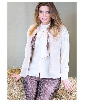 Pantalón Yin Larouge. Su precio es de 70 €. Fabricado en España ¡Descúbrelo en nuestra tienda online www.blue-moda.es!  #pantalón #pantalones #yinlarouge #moda #modaexclusiva #otoño2015 #invierno2015
