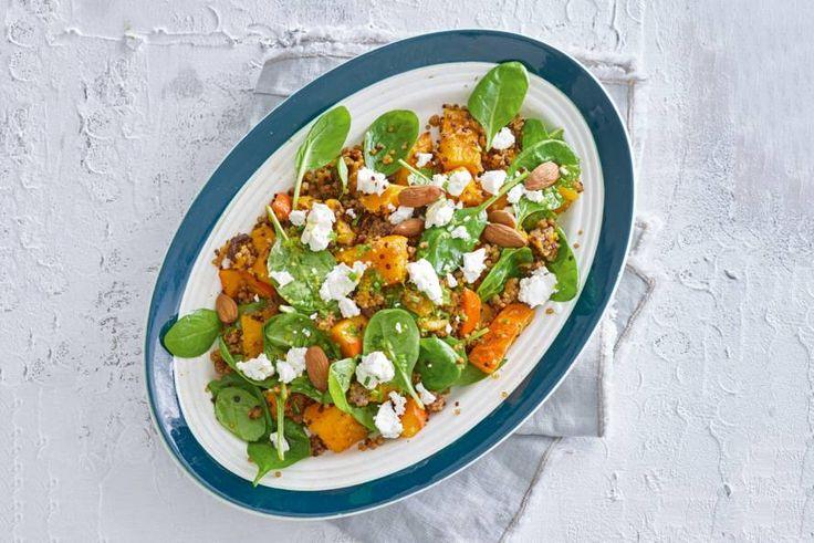 Een winterse salade met geroosterde pompoen én geitenkaas. Dubbel lekker! - Recept - Allerhande