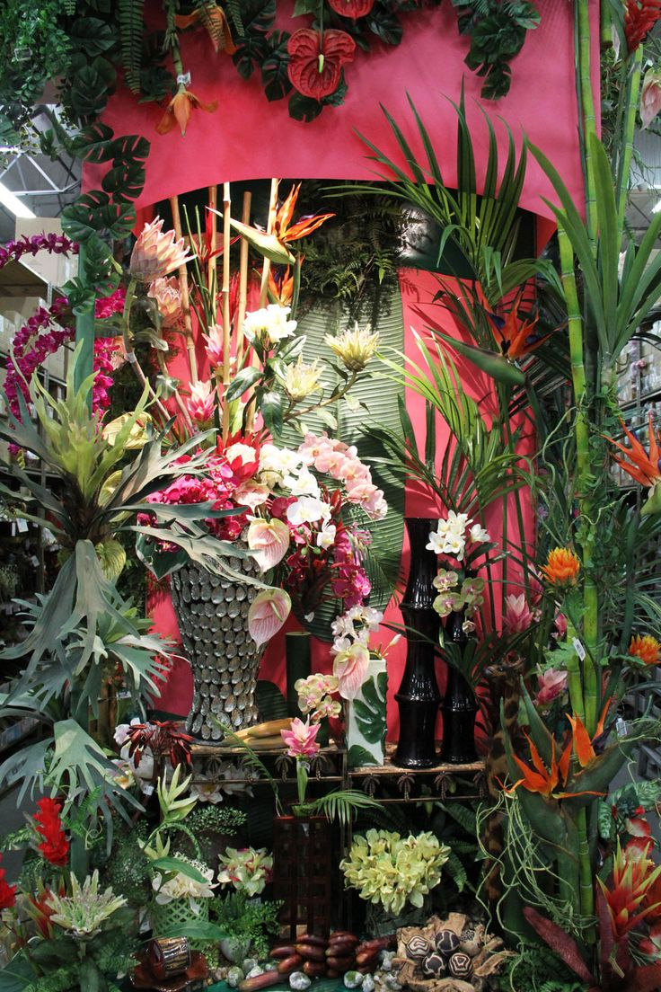 How to create a tropical garden - Create Your Own Tropical Party Let Your Guests Feel Like They Are Spending A Wonderful Evening On A Tropical Island