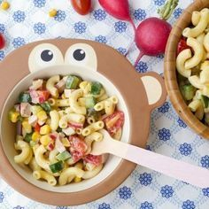 A melhor salada de macarrão para crianças (com maionese de leite rápida)