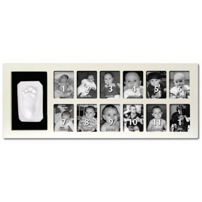 Con il Kit Baby Art Primo Anno potete realizzare un ricordo davvero speciale del primo anno di vita di vostro figlio.  Insieme ad una perfetta impronta della mano o del piede del bimbo, potete inserire una foto del vostro piccolo per ogni mese finchè non raggiunge il primo anno d'età.   Facile, veloce e pulito.   Cornice in legno di alta qualità in dotazione.   100% sicuro per la pelle del bambino.