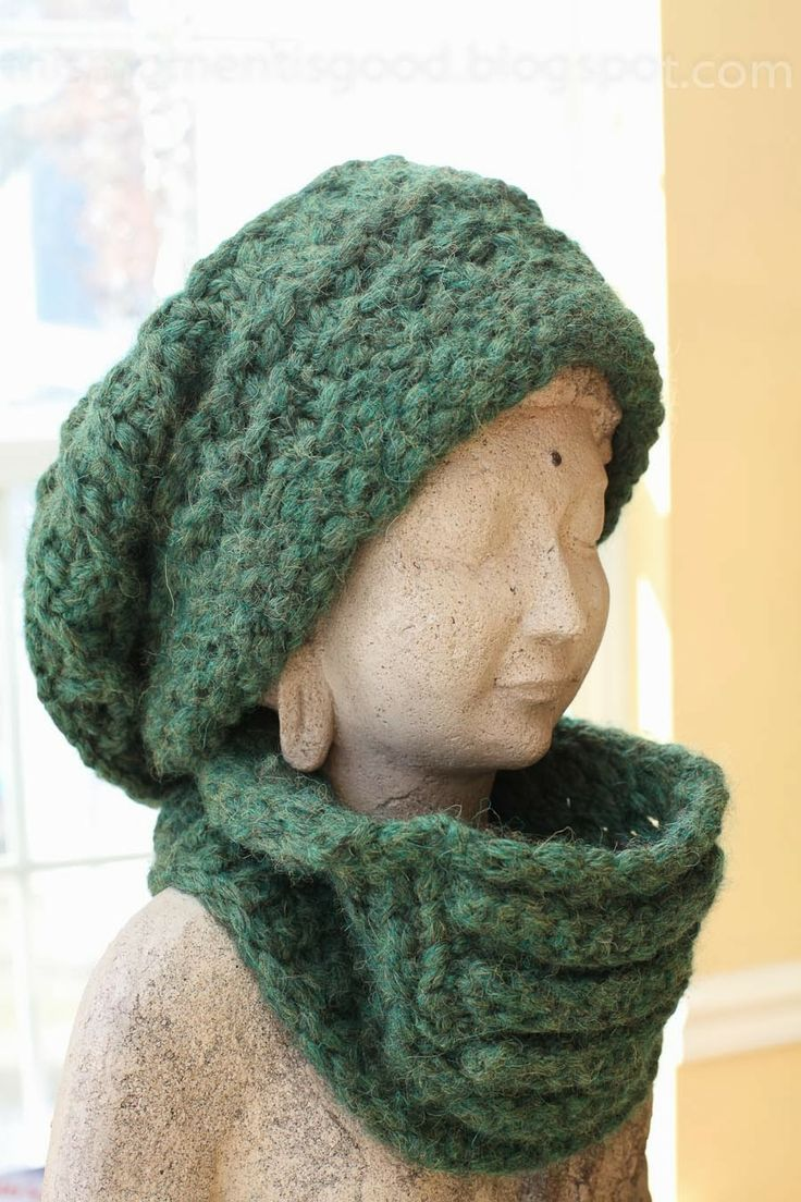 Loom Knit Hooded Scarf Pattern : 17 Best images about Loom knitting on Pinterest Knitting looms, Wrist warme...