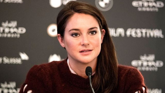 Shailene Woodley arrested during protest The actress, who was participating in a pipeline protest, streamed her arrest on Facebook Live.Says she was 'grabbed' »