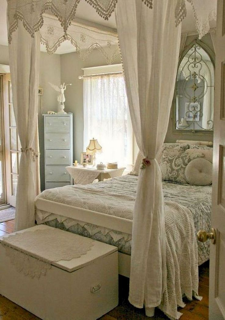 Cool 45 Stunning Shabby Chic Bedroom Decor Ideas https://homearchite.com/2017/08/28/45-stunning-shabby-chic-bedroom-decor-ideas/ #shabbychichomesdecorating