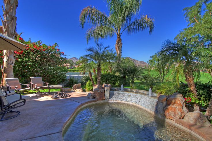 RANCHO LA QUINTA COUNTRY CLUB Beautiful mini estate home with spectacular mountain & golf course views. This approximately 2450 SF home has 3BR & 3-1/2BA, sparkling Pebble Tech spool! Offered at $749,000.