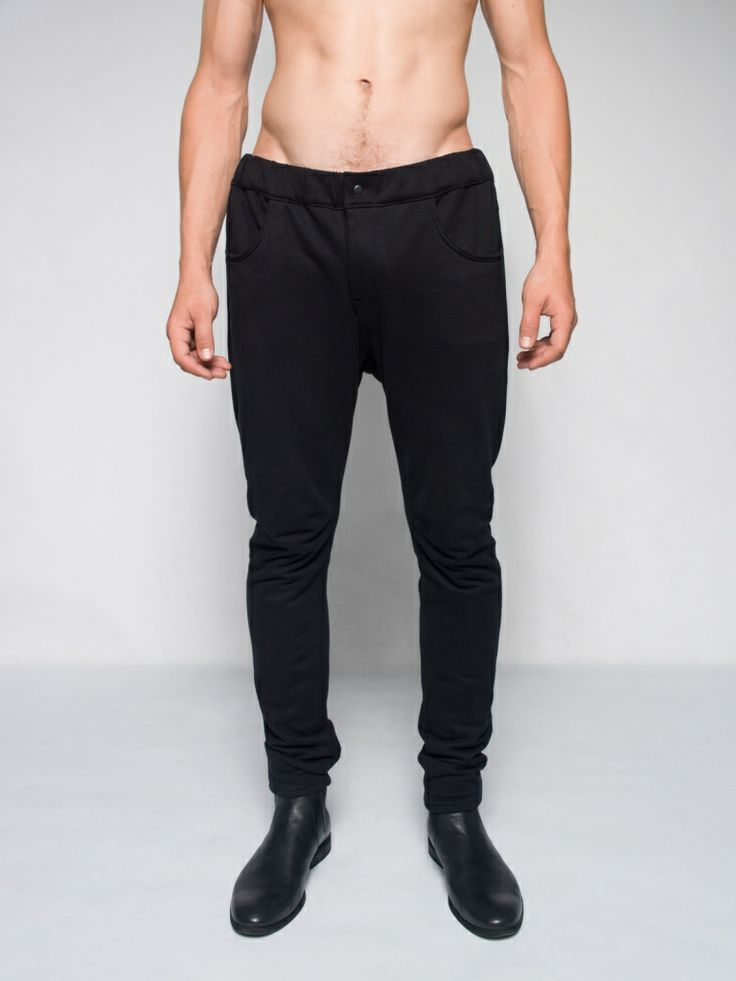 MALE BLACK SKINNY SWEATPANTS Perfect skinny sweatpants for men Soon on keycestore.com!
