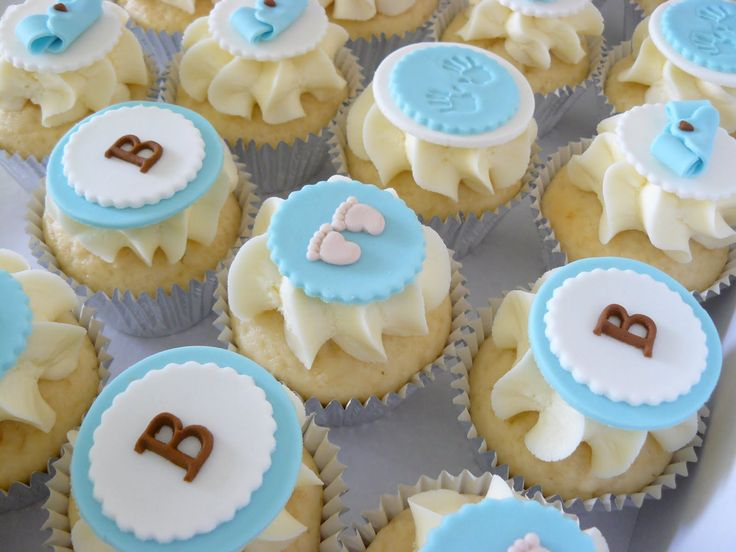 Baby shower cupcakes decorations the cup cake taste for Baby shower cupcake decoration ideas