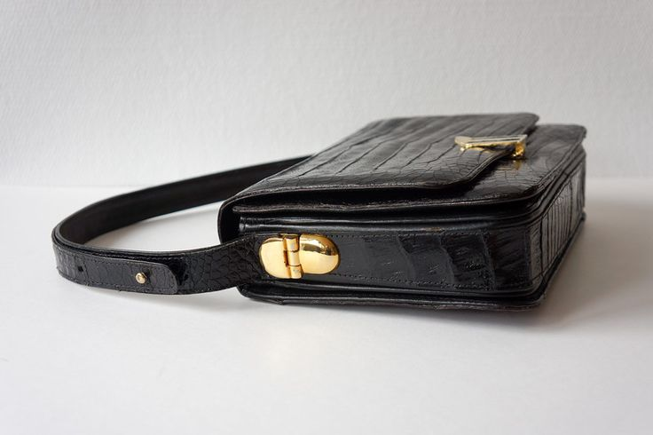 Vintage Handtaschen - Vintage Krokodil-Leder-Handtasche, 60er Jahre - ein Designerstück von vickyvintage bei DaWanda