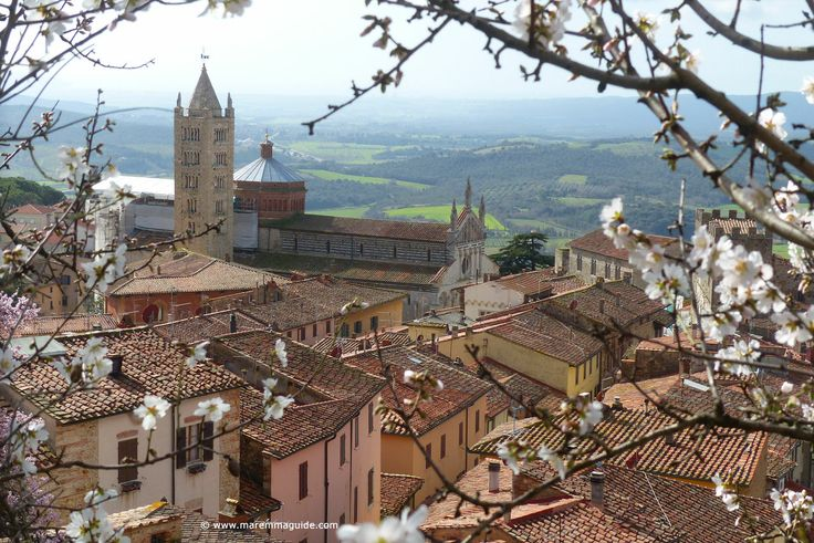 A February spring morning in oh so pretty Massa Marittima, Maremma Tuscany :)
