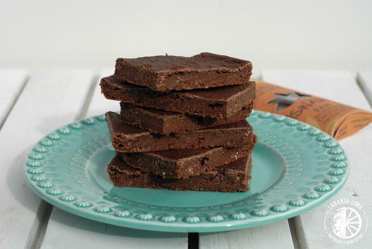 Um bolo de cacau vegan, sem gorduras e sem açúcares, para acompanhar um desabafo mais pessoal.