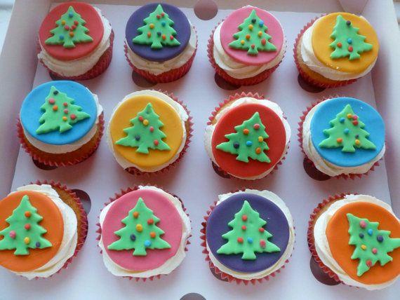 Best 25+ Fondant Christmas Cake Ideas On Pinterest
