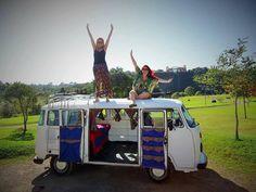 Irmãs viajam de Curitiba ao México em uma Kombi