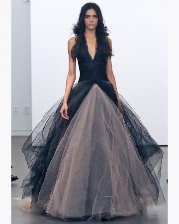 Créateur Vera Wang - Robe de mariée noire décolletée jupe en tulle