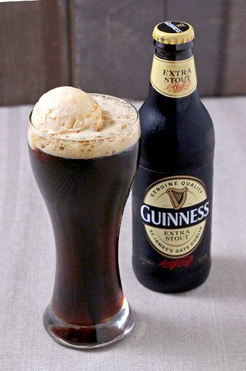Café 1894   Guinnessフロート