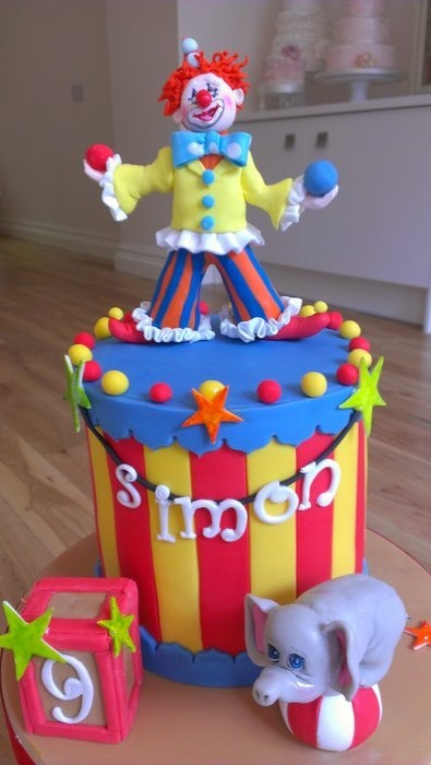 Circus Fun  Cake by Suzanneatthefrostery
