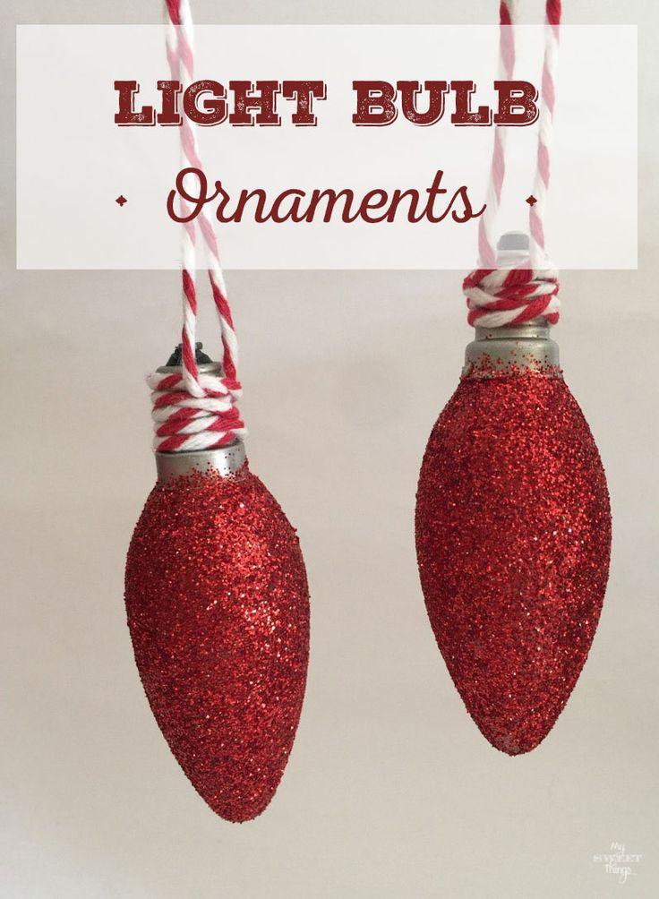 Como hacer bonitos adornos de Navidad de las bombillas con pocos suministros