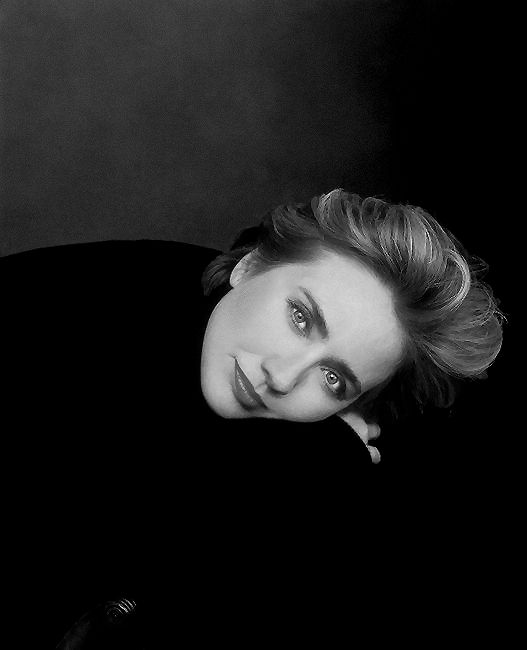 Hillary Clinton, Photograph by Annie Leibovitz; Vogue July 2000.