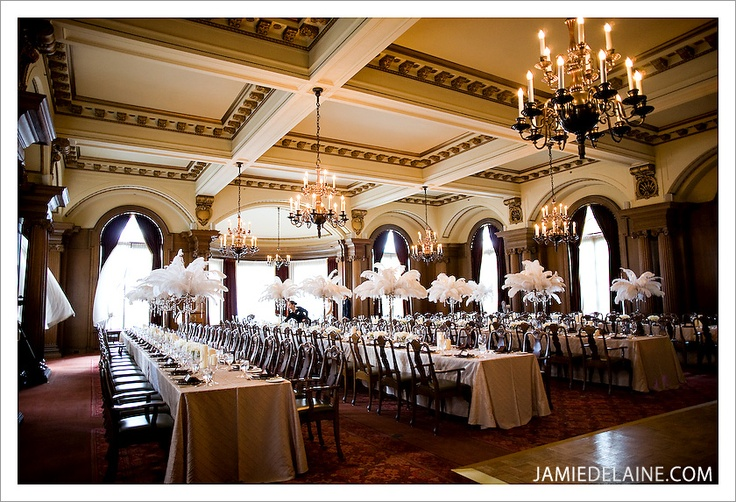 The Vancouver Club Wedding : Table set-up