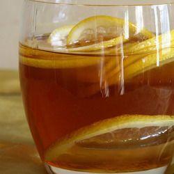 Limone, zenzero e miele: come curare in modo semplice ed efficace tonsilliti e mal di gola.