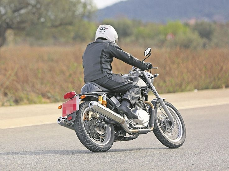 Upcoming Royal Enfield 750 Spied