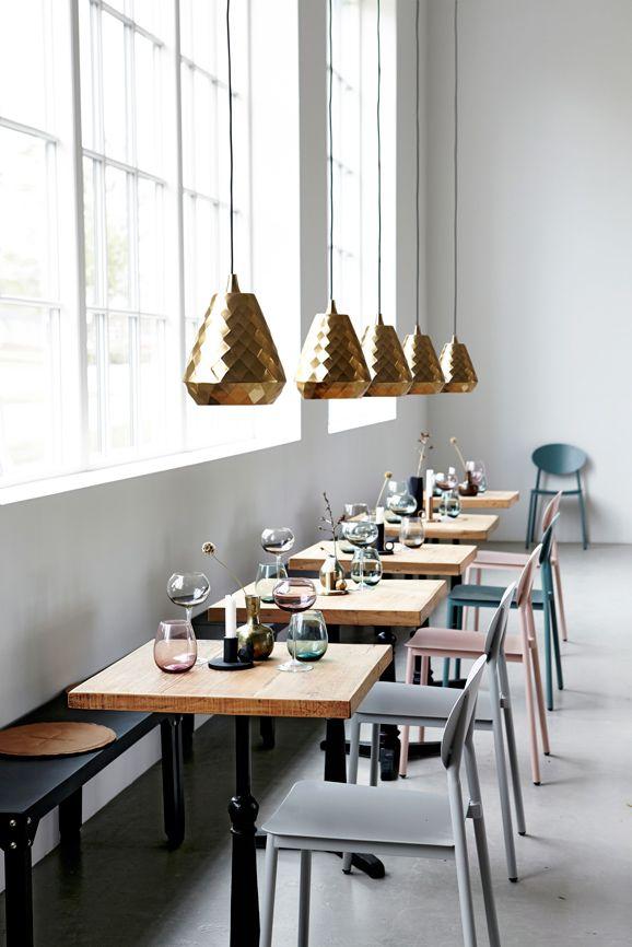 #home #interior #design #pendel #gold #Moments2014 #housedoctordk #©housedoctor.dk http://www.housedoctor.dk/