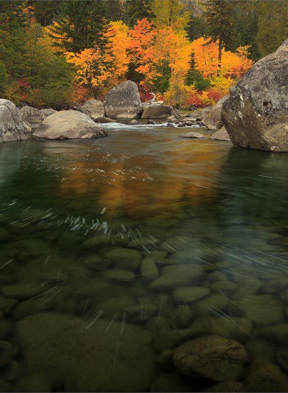 Autumn, Tumwater Canyon on the Wenatchee River, Wenatchee National Forest, Washington.  Photo:  Mark Dilley