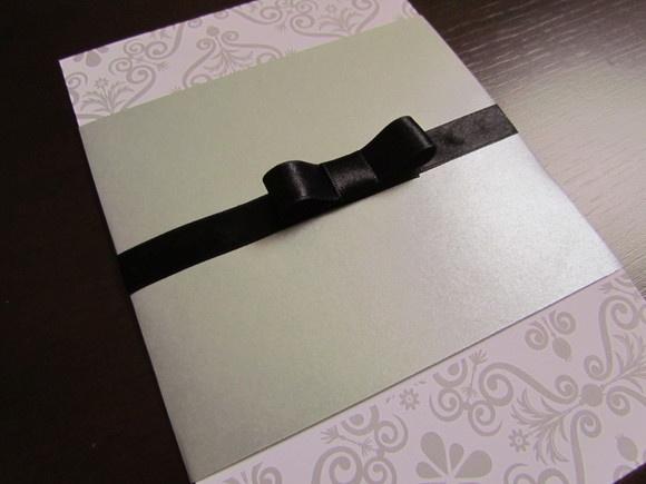 Convite para casamento em motivo arabescos confeccionado em papel couche fosco…