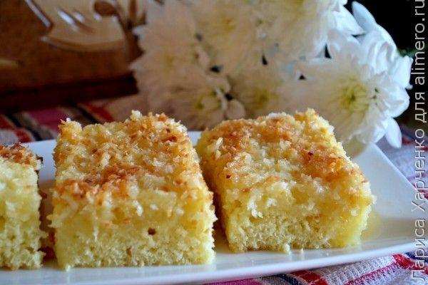 Сегодня хочу предложить невероятно простой и совершенно не хлопотный рецепт вкуснейшего кокосового пирога...         Эта выпечка просто обречена стать вашей любимой – ингредиентов минимум, труд…