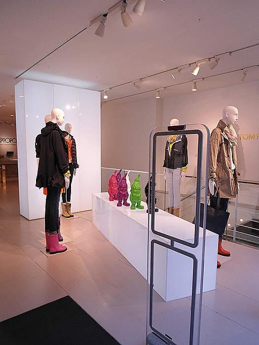 apropos in k ln shopping in k ln pinterest. Black Bedroom Furniture Sets. Home Design Ideas