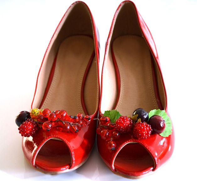 die besten 25 rote absatzschuhe ideen nur auf pinterest roter high heels pumps und rot hoch. Black Bedroom Furniture Sets. Home Design Ideas