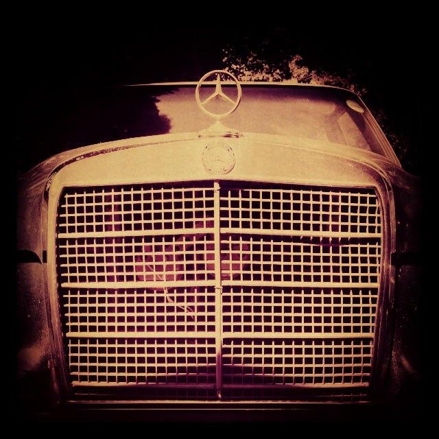 Mercedes in Gold