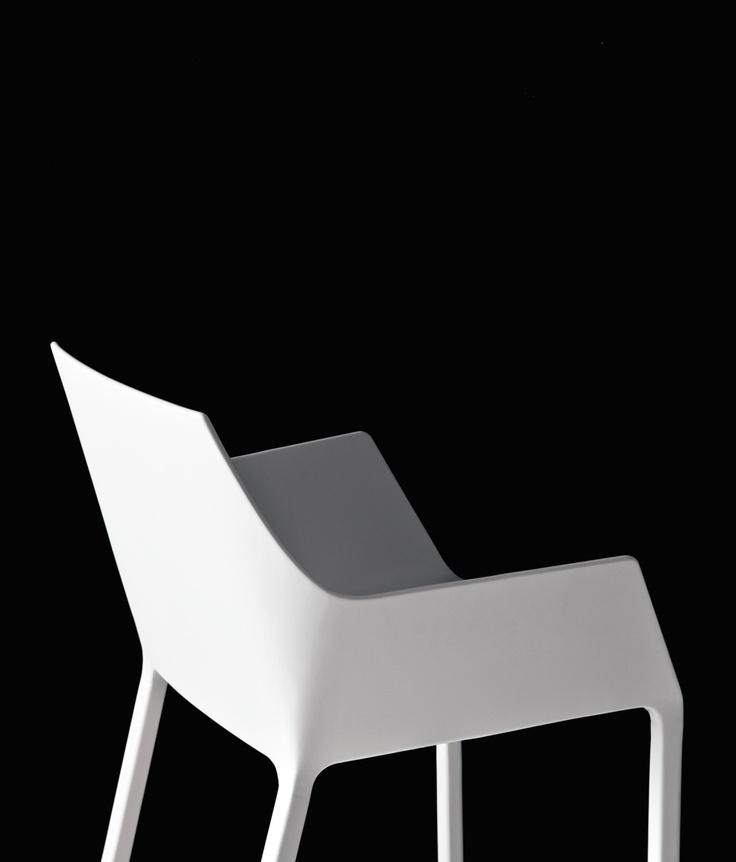 Mem by Christophe Pillet - Kristalia #lounge #moldedchair #plastic